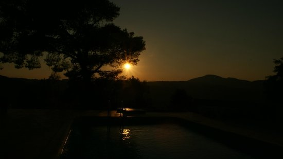 Villa Evelyn: Sunset from the pool