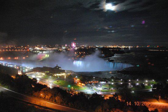 Marriott Niagara Falls Fallsview Hotel & Spa: View from our window
