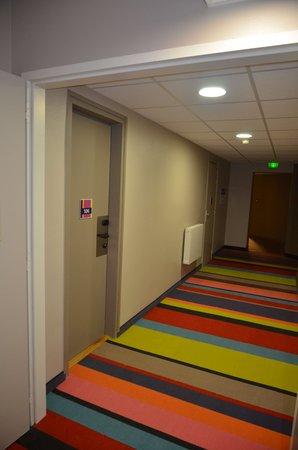 Ibis Styles Saint Gilles Croix de Vie : les couloirs