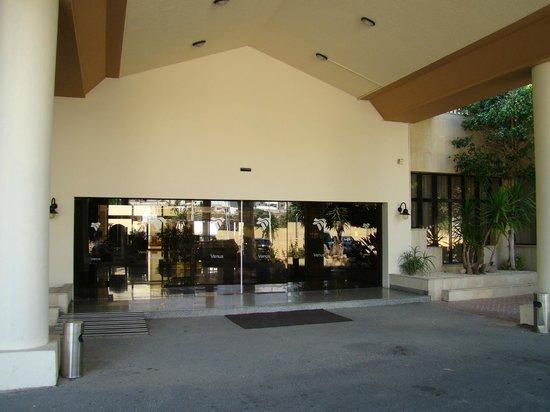 Venus Beach Hotel: Wejście główne