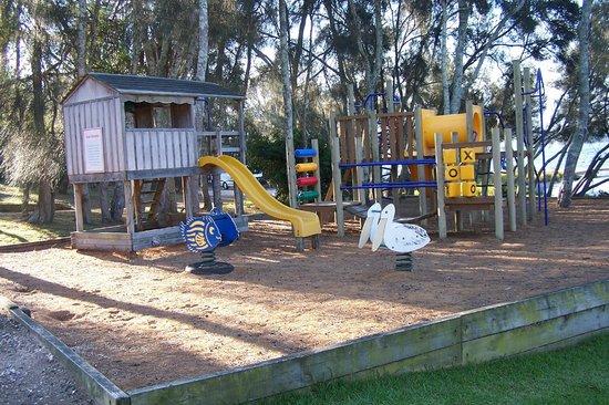 Regatta Point Holiday Park: Playground