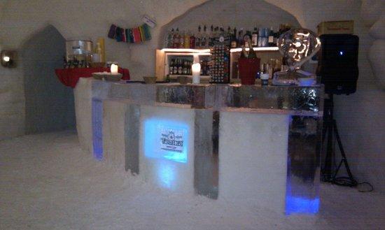 Iglu-Dorf Gstaad : Bar