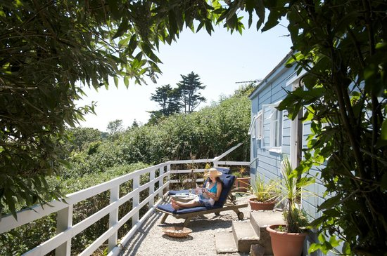 Trewithian, UK : Our rustic cabin overlooking our beautiful secret beach