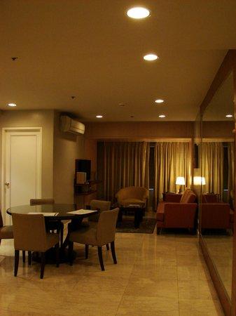โรงแรมเดอะลินเดน สวีท มะนิลา: Living