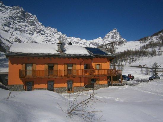 Valtournenche, Italia: La Luge Affittacamere..ai piedi del Cervino
