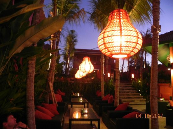 PinkCoco Bali: Pretty restaurant lights