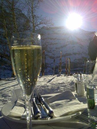 Hotel Schönegg: Cheers!