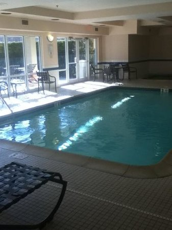 SpringHill Suites Providence West Warwick : pool