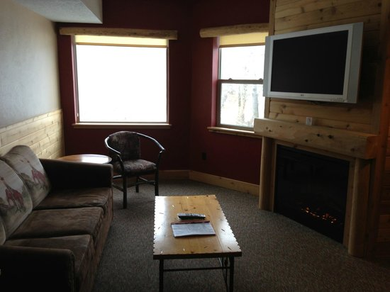 Double JJ Resort: Pull out couch bed, fireplace, flatscreen TV