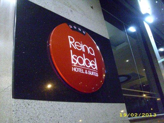 Hotel Reina Isabel: Entrada al hotel