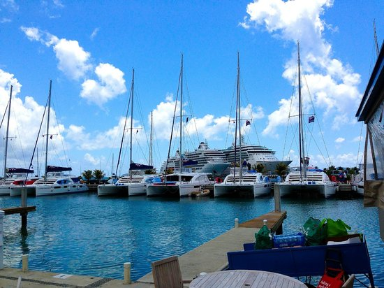 Charlies: View of the whole marina