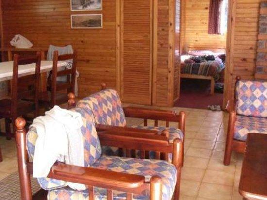 Lake Pleasant Chalets & Lodges: Chalet lounge.