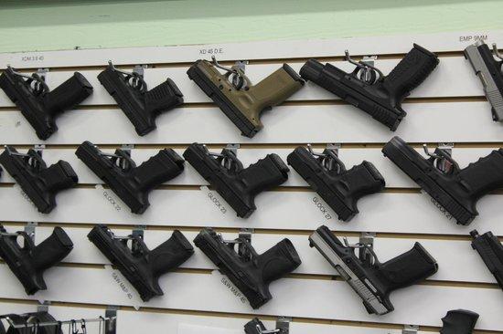 Kiffney's Firearms and Indoor Range : Guns