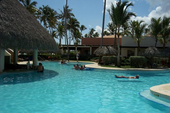 Secrets Royal Beach Punta Cana: Pool