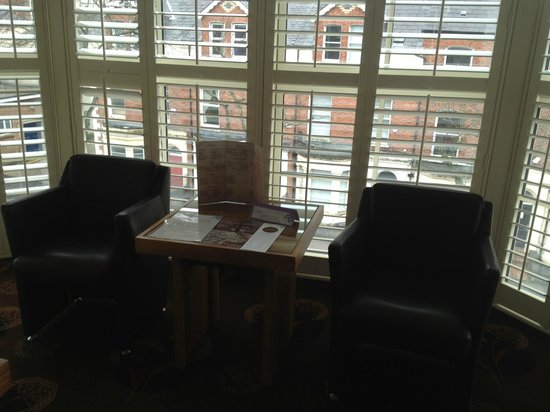 Dukes at Queens : COMFY CHAIRS IN ROOM