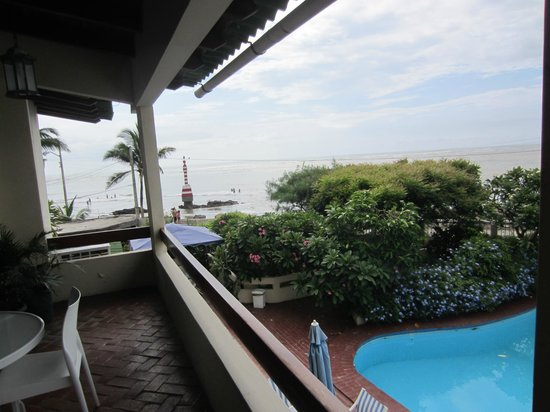 CasaGrande Oceanfront Boutique Hotel: View overlooking ocean from room