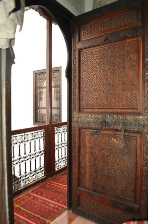 Riad Petit Darkoum: Door of a bed room