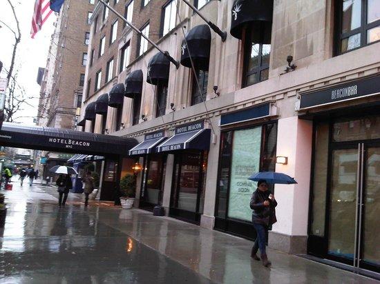 Hotel Beacon: exterior