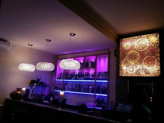 Moomba Kitchen & Bar: the bar area