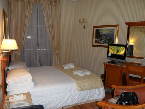 Gambrinus Hotel: Our Room