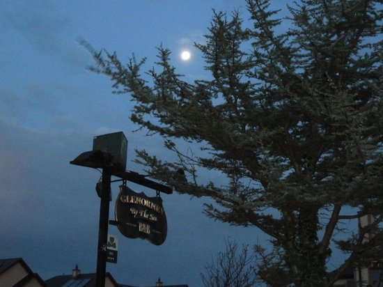 Glenorney by the Sea : Moon over Glenorney