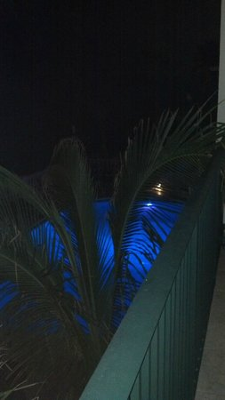 Sea Lord Hotel & Suites: Blue Pool at Night