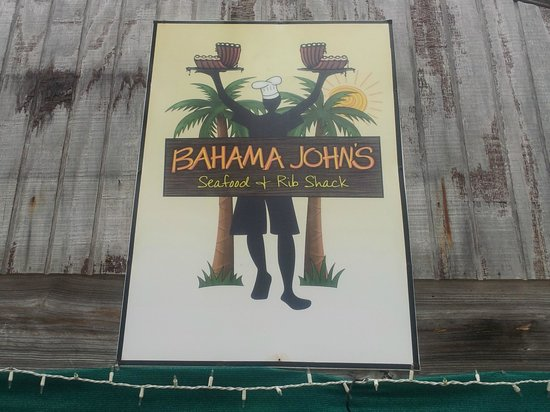 Bahama John's Seafood-N-Rib Shack: Best Place to eat on the island