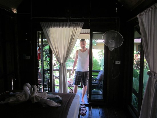 Lanta Castaway Beach Resort: Garden Bungalow (G3)