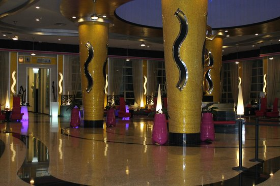 Hotel Riu Palace Bavaro: breathtaking lobby
