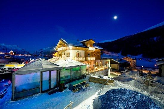 Hotel alegra b b livigno prezzi 2019 e recensioni - Livigno hotel con piscina ...