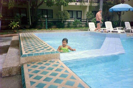 East Sea Resort Hotel: Pool Anlage 1, die alte Anlage.
