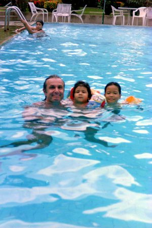 East Sea Resort Hotel: Pool Anlage 2, hinter dem Frühstücksrestaurant.