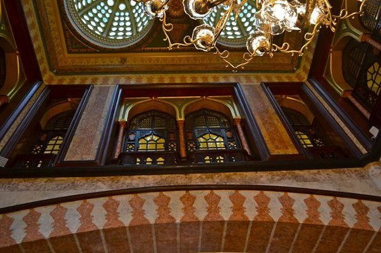 Offbeat Istanbul Walking Tours / Day Tours : The Pera Palace Hotel