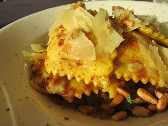 Willamette Valley Vineyards: Butternut squash ravioli