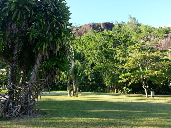 Kempinski Seychelles Resort : spazi esterni alla camera