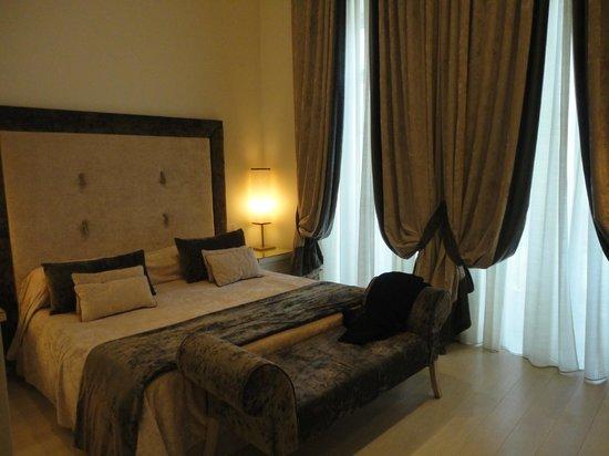 Hotel Palazzo Decumani: camera matrimoniale