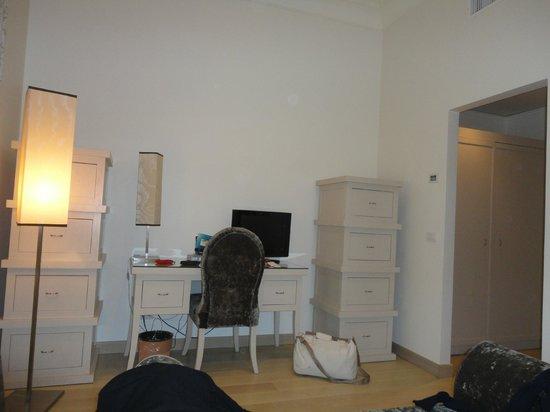 Hotel Palazzo Decumani: fronte letto