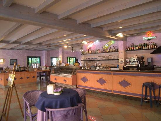 Olanda Hotel: colazione e bar sul salotto della città