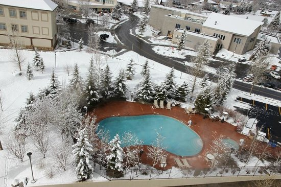 Sheraton Mountain Vista Villas, Avon / Vail Valley: Ground level pool