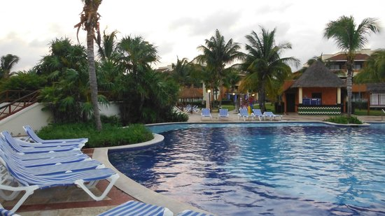 Grand Bahia Principe Coba: Piscine Coba