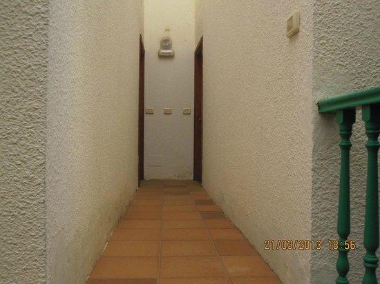 Portosol: passage way to apartment no. 203