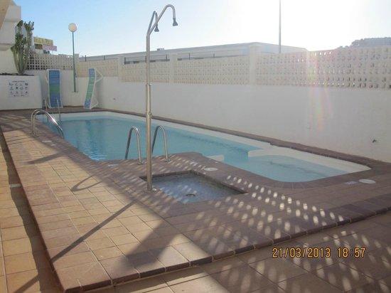 Portosol: pool in adjoining block