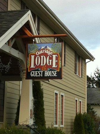 Oakridge Lodge & Guest House