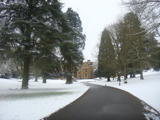 Best Western Plus Banbury Wroxton House Hotel : Wroxton University College - grounds are lovely and free to visit