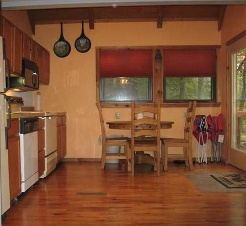 Black Bear Resort: Kitchen