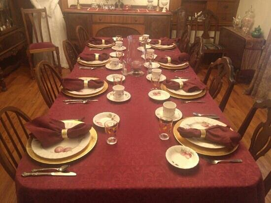 The Minnis House Inn & Guest Cottage: The Minnis House Dining Room