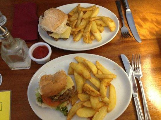 Poppys: Those are the burgers, we hadn´t eaten them yet