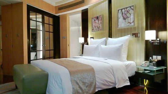 Le Royal Meridien Shanghai: Bedroom of the Imperial Suite