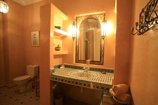 Dar Limoun Amara: Salle de bain