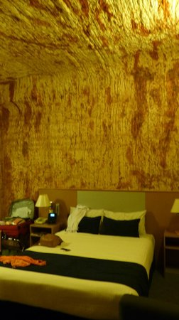 Desert Cave Hotel: Unterirdisch